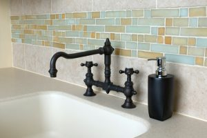 Comparison What's Best In Kitchen Glass or Natural Stone Tile